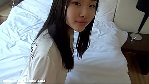 Japanese teen banged by papy homemade