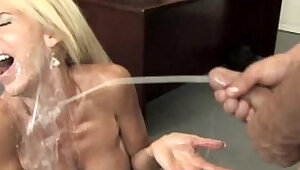 Cumshot loving cougar mama jerking