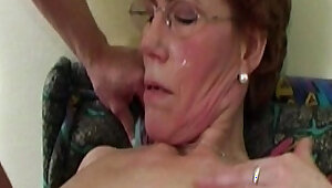 Wet horny mature with slim taking the stepsons cock deep in her mouth