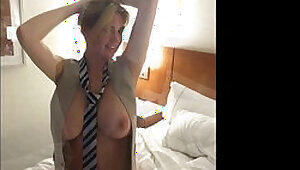 Kate Upton Nude and Bouncing Boobs